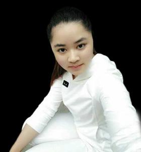 罗小霞-设计师